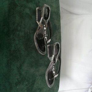 Low heels clear sandal
